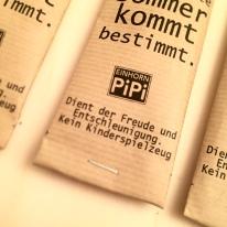"""EInhornpipi """"Immerstab"""" als Geschenk verpackt. ZUm Bau von fabelhaften Seifenblasen ohne Plastik."""